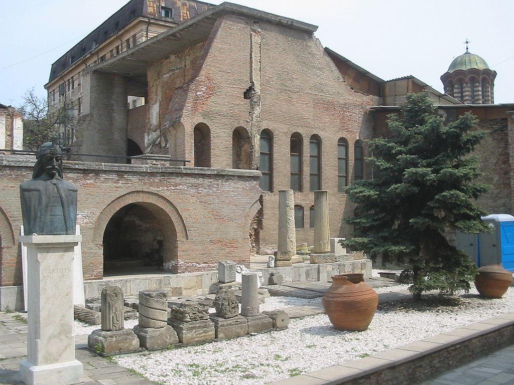 """Muzeul """"Curtea Veche""""1"""