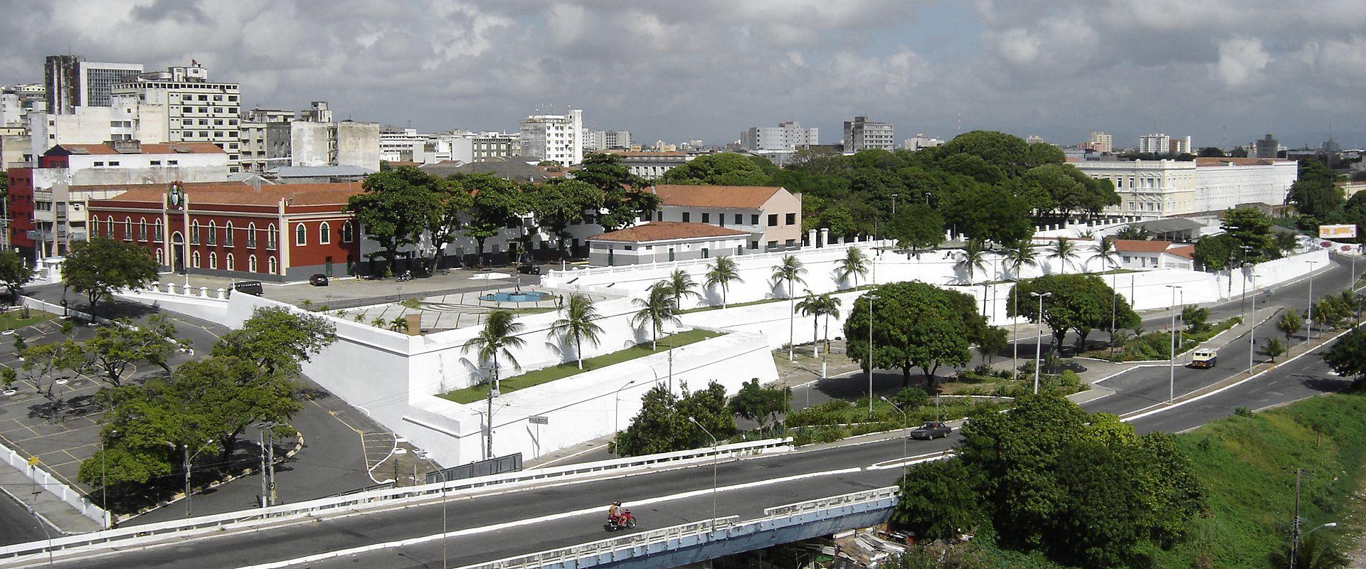 Orasul Fortaleza111