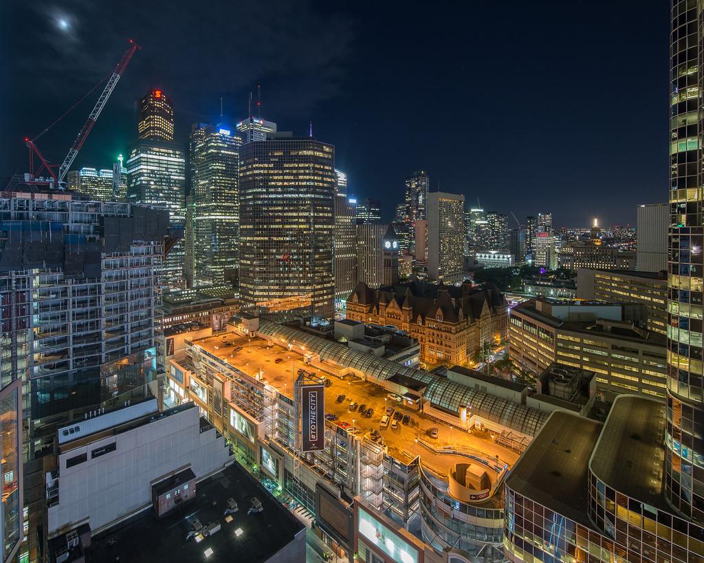 Orasul Toronto1