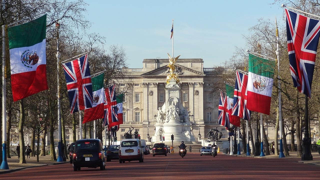 Palatul Buckingham11