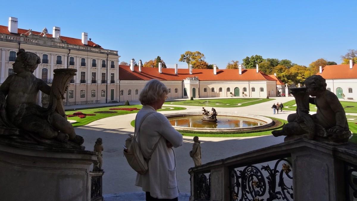 Palatul Esterhazy111