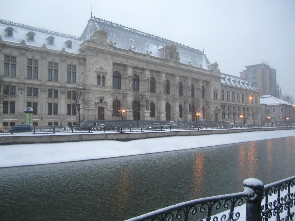 Palatul Justiţiei din Bucureşti12