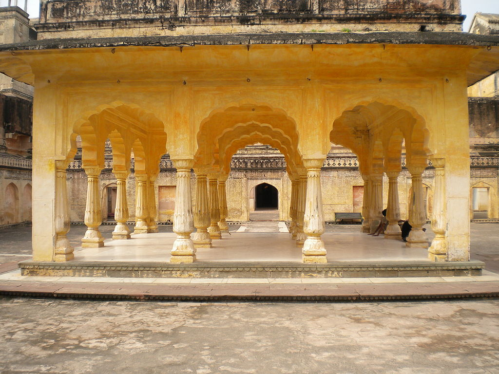 Palatul Man Singh11