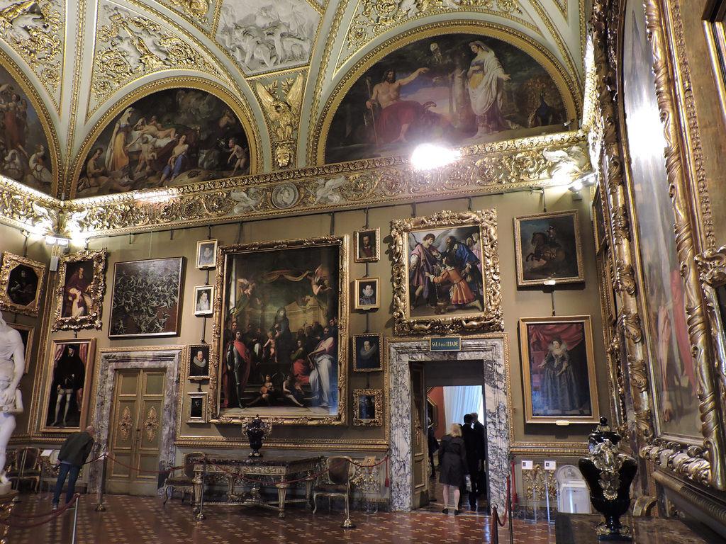 Palatul Pitti din Florenta interior