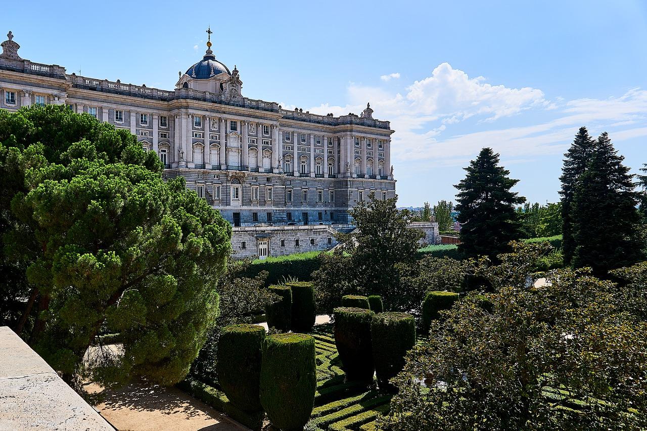 Palatul Regal din Madrid111