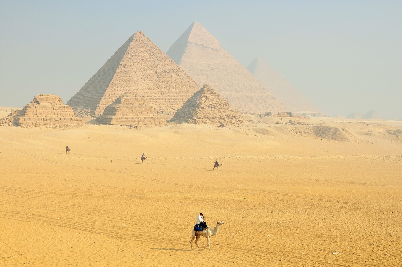 Piramida lui Keops1111