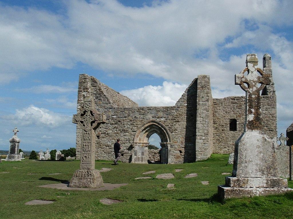 Situl monastic Clonmacnoise1