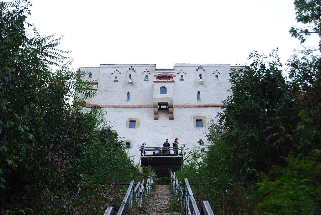 Turnul Alb cu pod