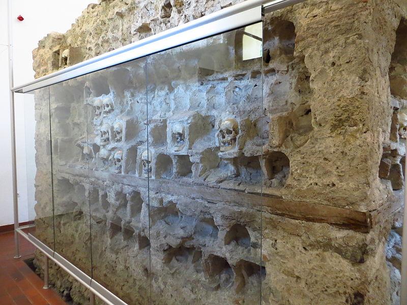 Turnul Craniilor din Nis11