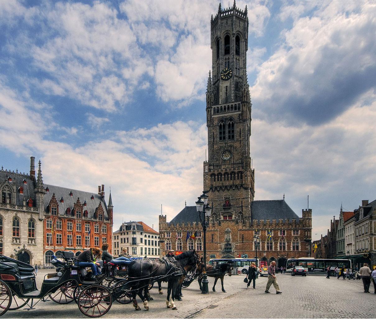 Turnul clopotnitei din Bruges111