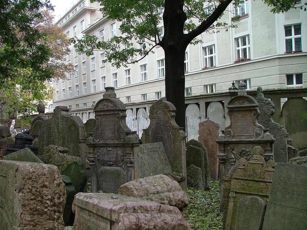Vechiul cimitir evreiesc din Praga11