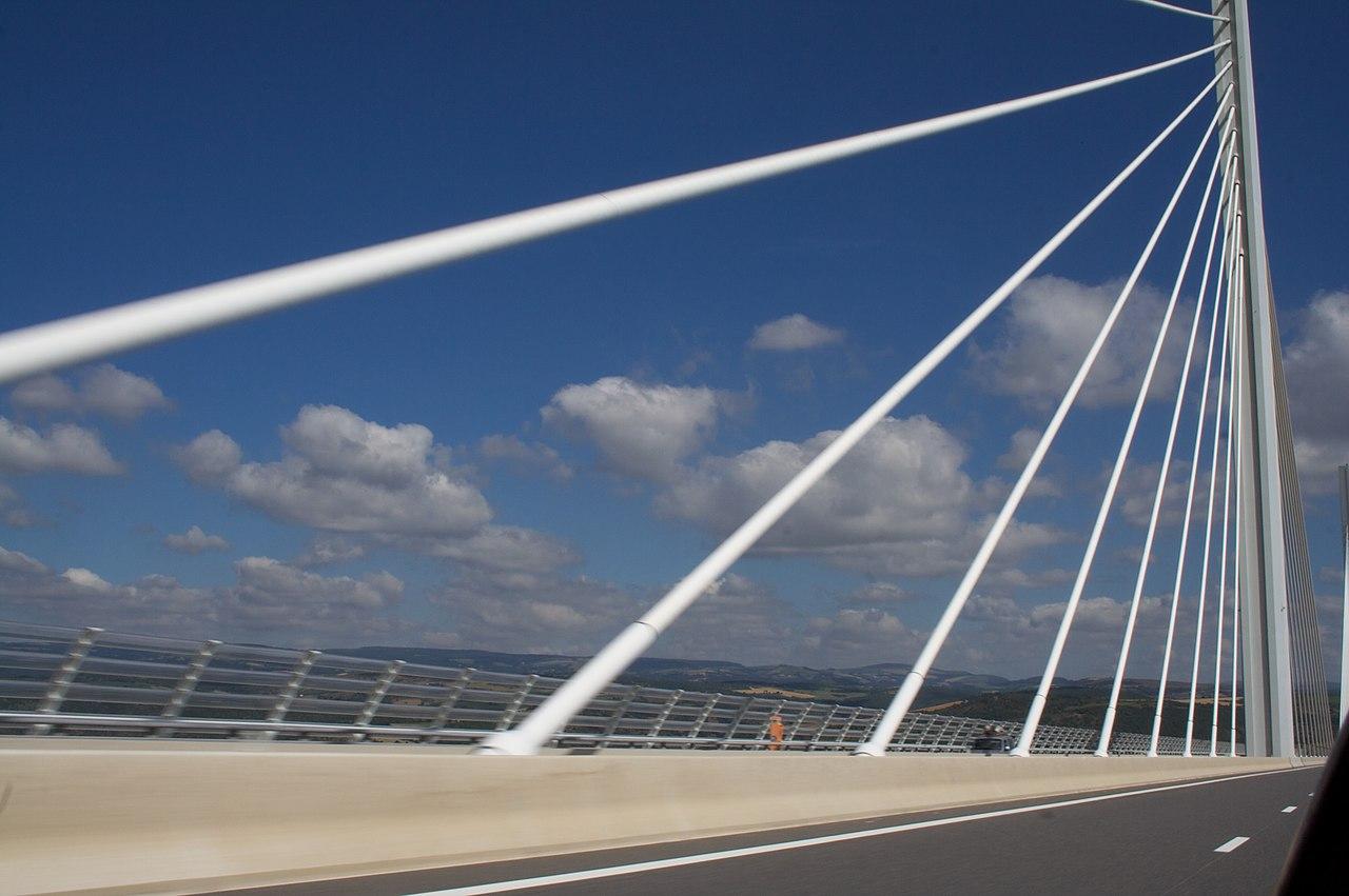 Viaductul Millau111