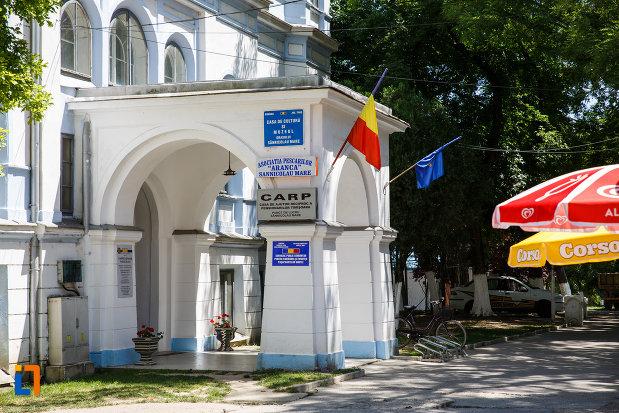 accesul-in-castelul-nako-1864-muzeul-bartok-bela-din-sannicolau-mare.jpg
