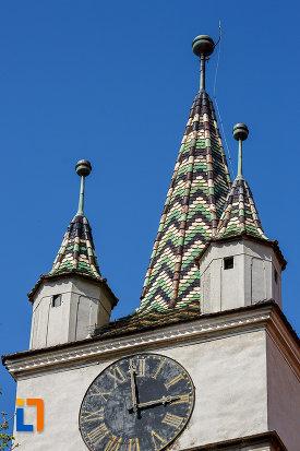 acoperis-cu-mozaic-biserica-evanghelica-din-sebes-judetul-alba.jpg