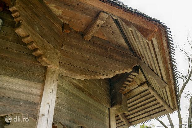 acoperis-de-la-biserica-de-lemn-sf-nicolae-din-glod-judetul-maramures.jpg