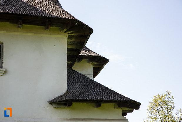 acoperisul-de-la-ansamblul-culei-greceanu-din-maldarasti-judetul-valcea.jpg