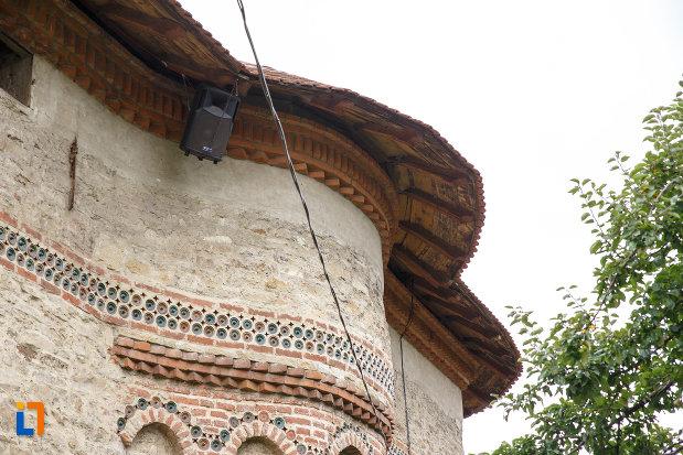 acoperisul-de-la-biserica-sf-treime-1352-din-siret-judetul-suceava.jpg