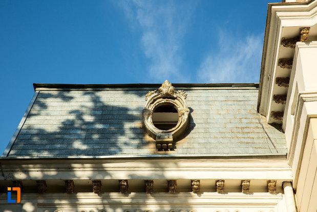acoperisul-de-la-casa-de-pe-str-domneasca-nr-70-din-galati-judetul-galati.jpg