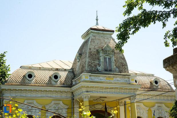 acoperisul-de-la-casa-de-pe-str-mihai-bravu-nr-42-din-galati-judetul-galati.jpg