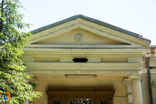 acoperisul-de-la-casa-de-pe-str-mihai-bravu-nr-49-din-galati-judetul-galati.jpg