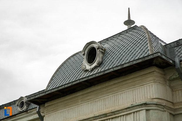 acoperisul-de-la-casa-nicolae-milea-din-panciu-judetul-vrancea.jpg