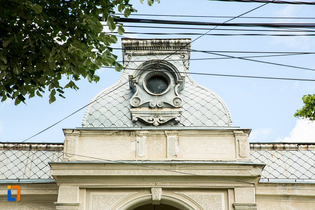 acoperisul-de-la-casa-tudor-pamfile-din-tecuci-judetul-galati.jpg