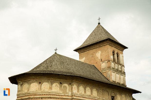 acoperisul-de-la-manastirea-strehaia-judetul-mehedinti.jpg
