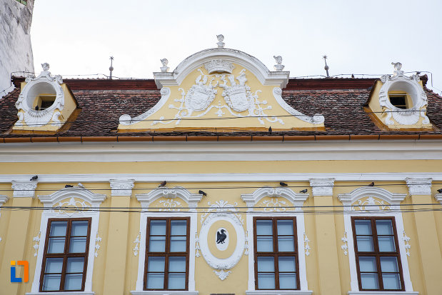 acoperisul-de-la-palatul-toldalagi-1759-muzeu-de-etnografie-si-arta-populara-din-targu-mures-judetul-mures.jpg