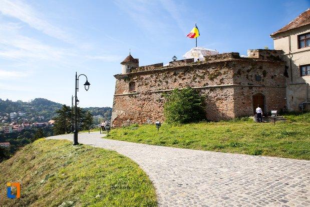 alee-de-langa-cetatea-brasov-judetul-brasov.jpg