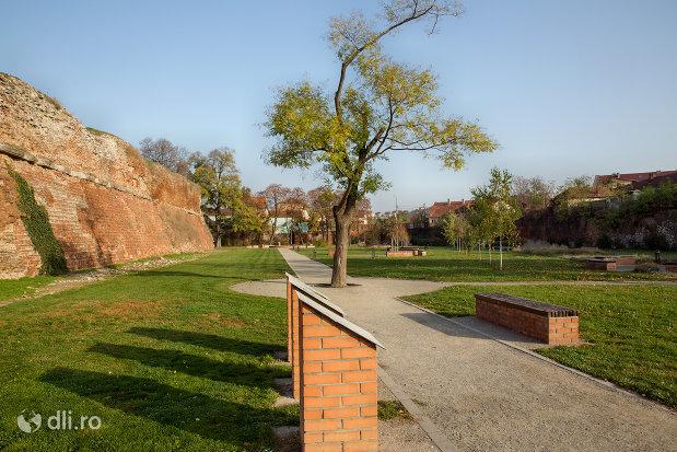 alee-langa-cetatea-oradea-judetul-bihor.jpg