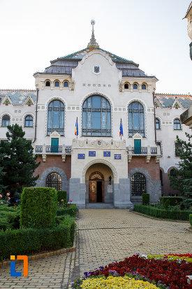 alee-pietruita-de-la-fosta-primarie-a-municipiului-azi-prefectura-din-targu-mures-judetul-mures.jpg