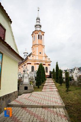 alee-spre-biserica-ortodaxa-sf-adormire-din-sacele-judetul-brasov.jpg
