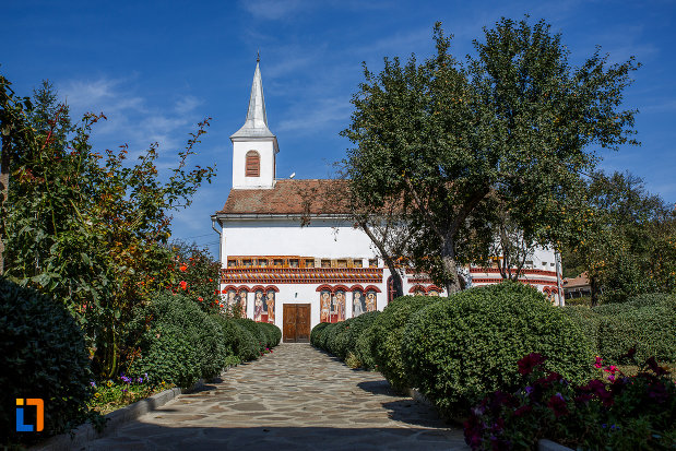 alee-spre-biserica-sf-ioan-botezatorul-brancoveanu-de-sus-1810-din-ocna-sibiului-judetul-sibiu.jpg