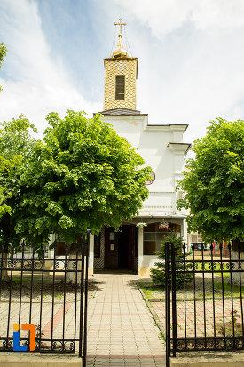 alee-spre-biserica-sf-treime-din-caracal-judetul-olt.jpg