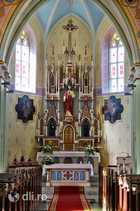 altar-biserica-calvaria-satu-mare.jpg