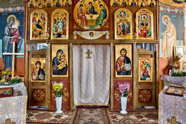 altarul-de-la-manastirea-izbuc-din-valea-lui-mihai-judetul-bihor.jpg