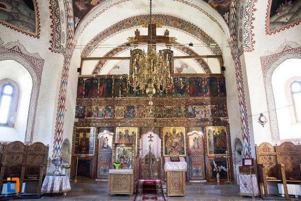 altarul-de-la-manastirea-stelea-din-targoviste-judetul-dambovita.jpg