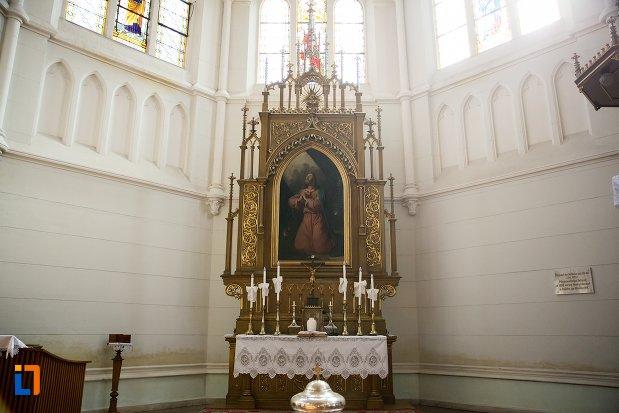 altarul-din-biserica-evanghelica-din-1906-din-arad-judetul-arad.jpg