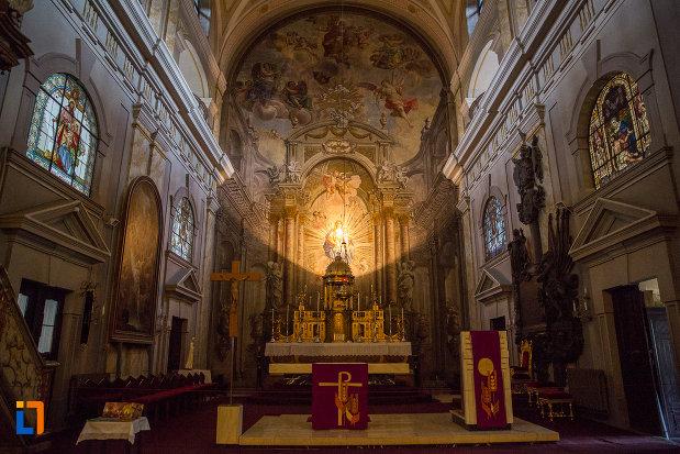 altarul-din-biserica-parohiala-evanghelica-sf-maria-din-sibiu-judetul-sibiu.jpg