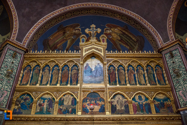 altarul-din-catedrala-mitropolitana-sf-treime-din-sibiu-judetul-sibiu.jpg