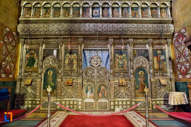altarul-din-catedrala-ortodoxa-a-vadului-feleacului-si-clujului-din-cluj-napoca-judetul-cluj.jpg