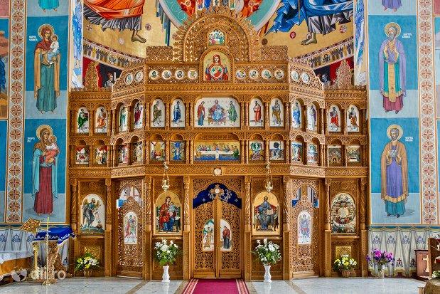 altarul-din-catedrala-ortodoxa-din-negresti-oas-judetul-satu-mare.jpg