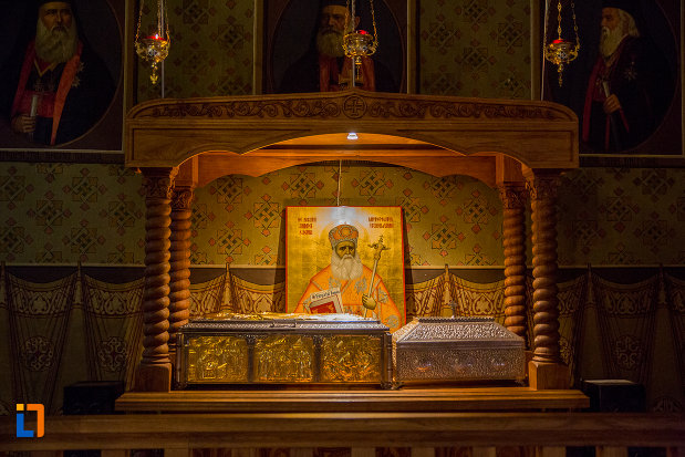 andrei-saguna-catedrala-mitropolitana-sf-treime-din-sibiu-judetul-sibiu.jpg