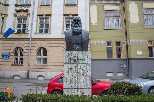 andrei-saguna-grupul-statuar-din-parcul-astra-din-sibiu-judetul-sibiu.jpg