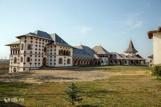 ansamblu-cladiri-manastirea-scarisoara-noua-judetul-satu-mare.jpg