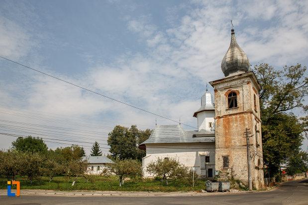 ansamblul-biserica-armeneasca-turnu-rosu-din-suceava-judetul-suceava.jpg