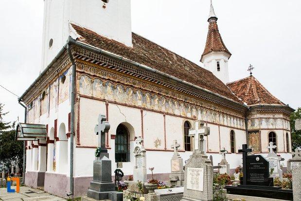 ansamblul-bisericii-sf-adormire-a-maicii-domnului-din-turches-sacele-judetul-brasov-vedere-din-spate.jpg