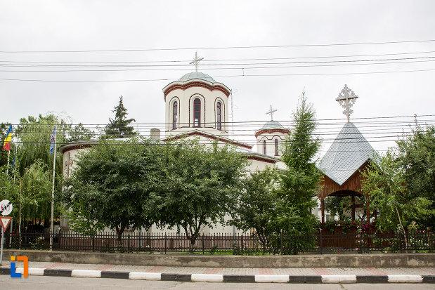 ansamblul-bisericii-sf-gheorghe-din-giurgiu-judetul-giurgiu.jpg