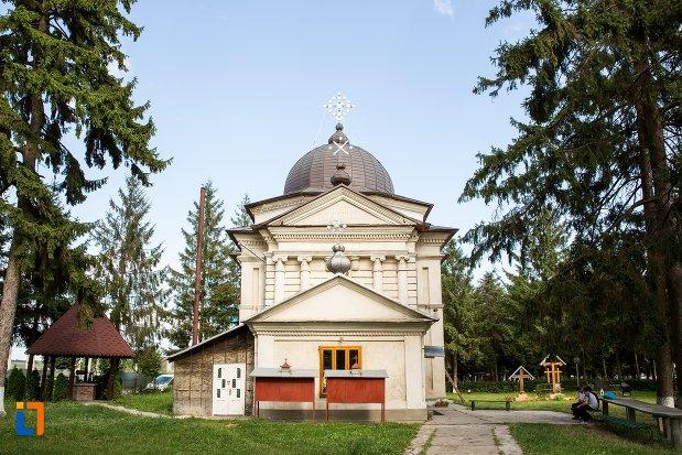 ansamblul-bisericii-sf-nicolae-din-darabani-judetul-botosani-2.jpg