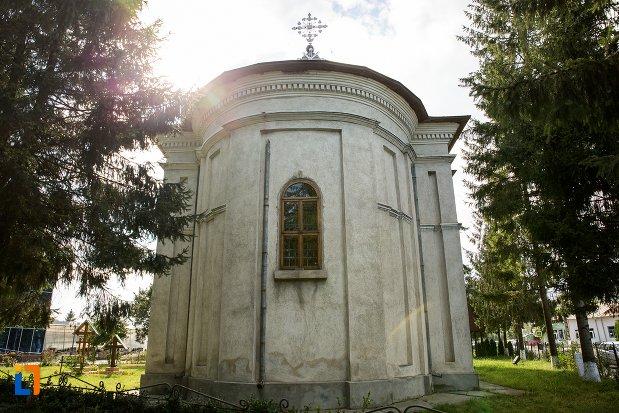ansamblul-bisericii-sf-nicolae-din-darabani-judetul-botosani-vazuta-din-spate.jpg